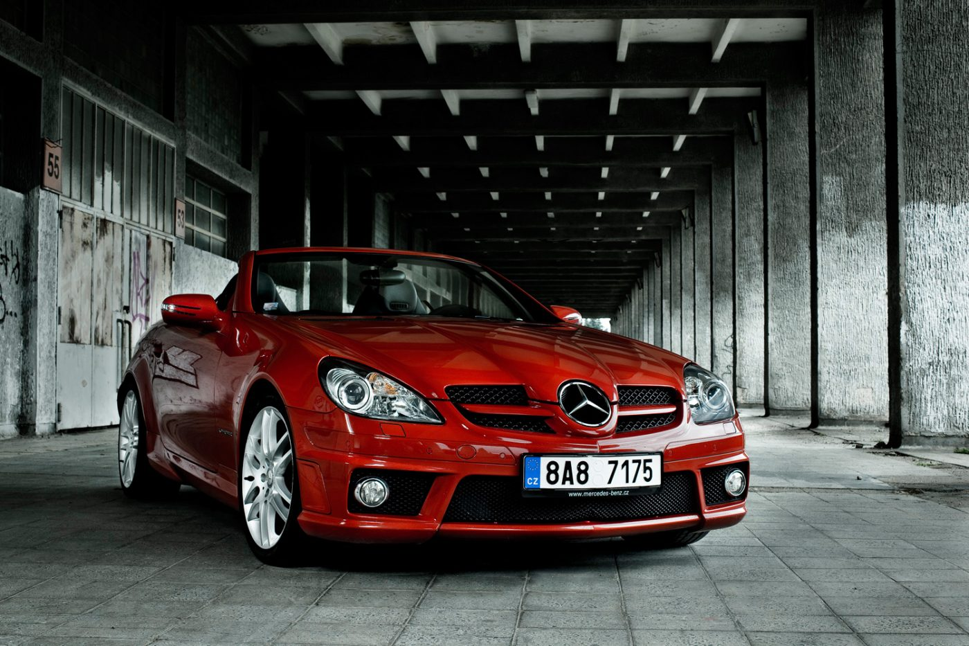 product photography of Mercedes Benz car in exterior