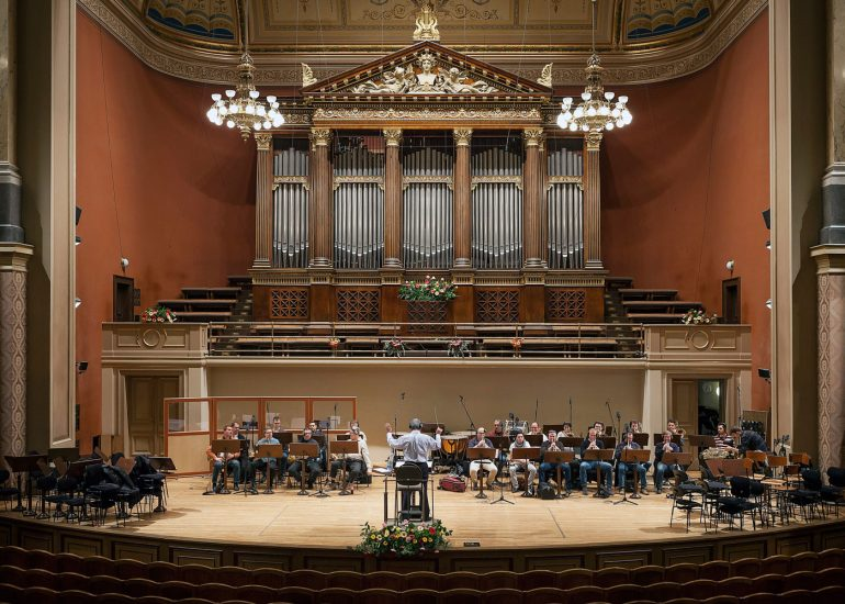 Reportage photography from music hall Rudolfinum by Roman Mlejnek, classical music.