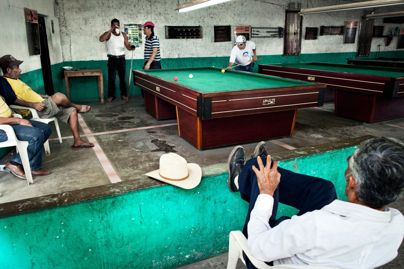 Billiard players in Mexican streets