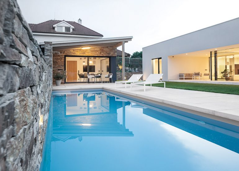Exterior of design villa with swimming pool, photographer Roman Mlejnek